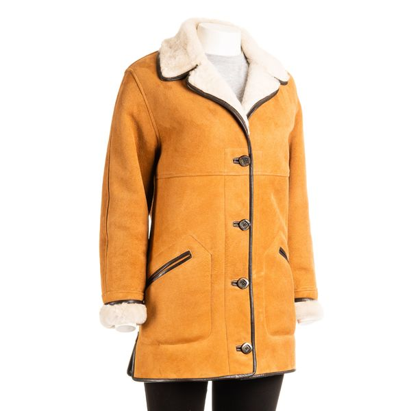 Square womens traditional sheepskin 3