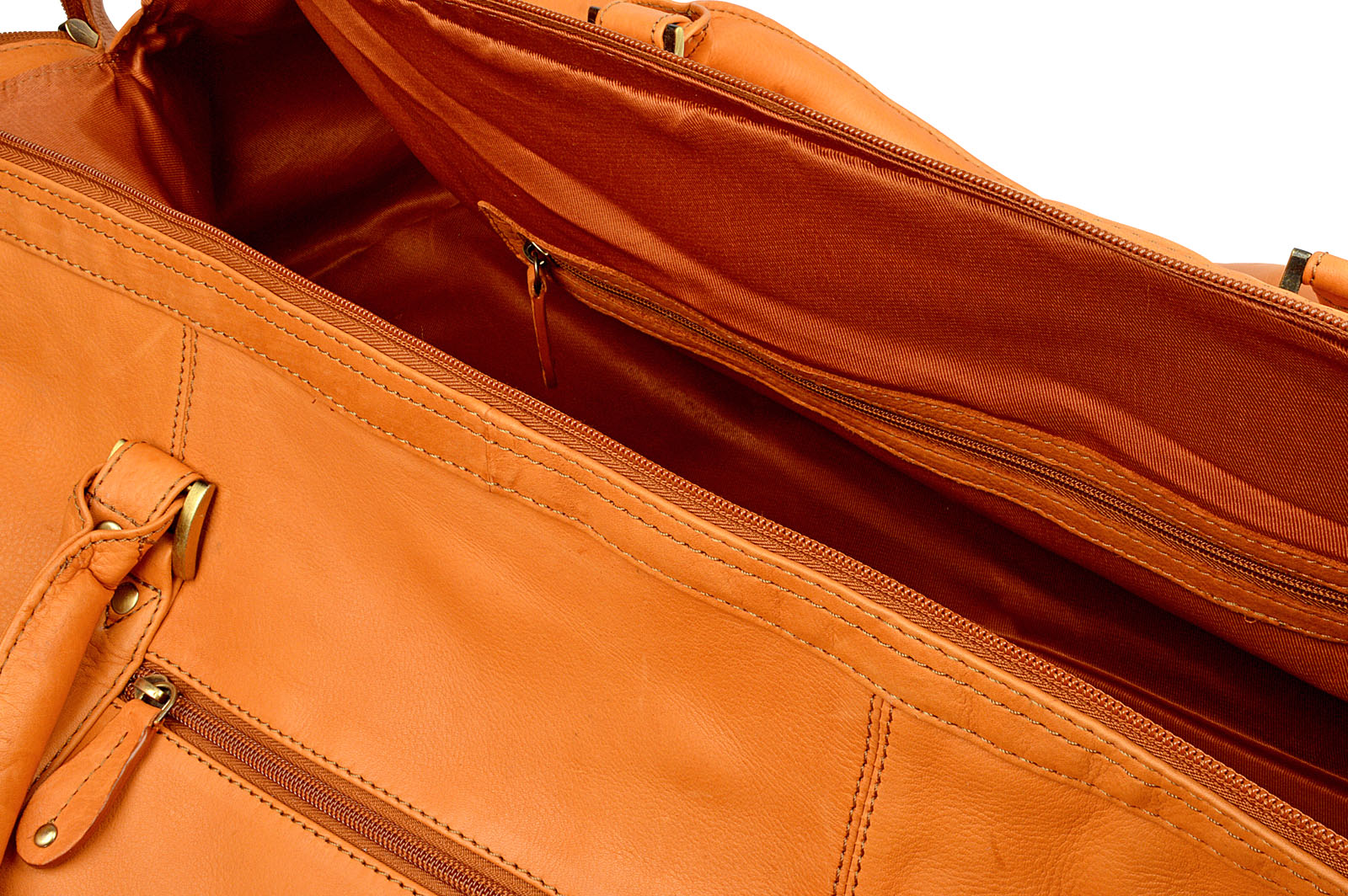 ... Woodland Leather Tan Large Size Travel Holdall With Adjustable Shoulder  Strap 8764eeb270b27