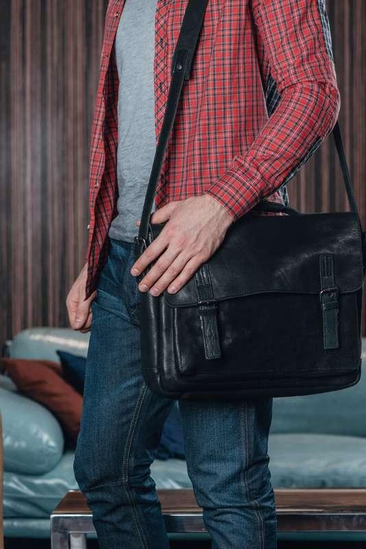 Men's Black Leather Vintage Messenger Bag