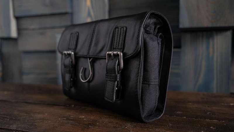 Men's Black Leather Hanging Wash Bag