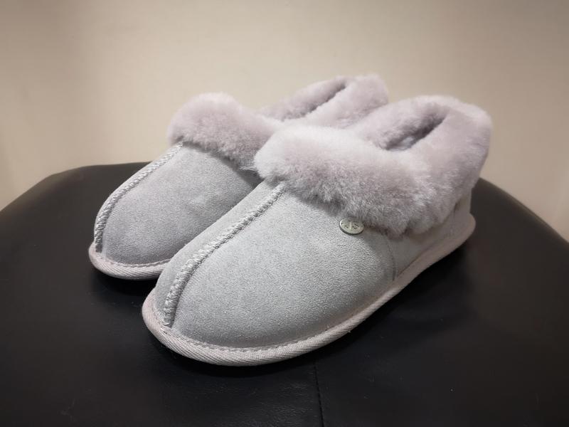 Ladies Dove Just Sheepskin Slippers